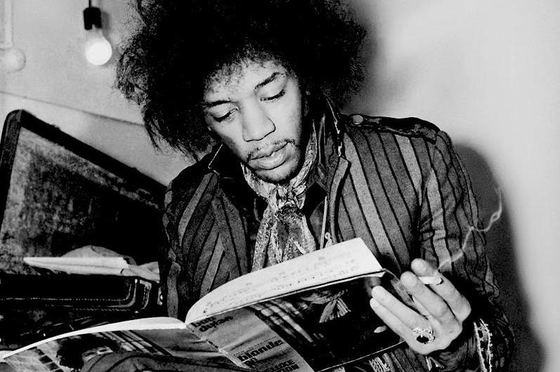 jimi-hendrix-reading